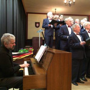 Lyra Men's Choir Performing
