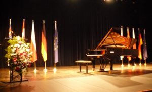 Piano and flags